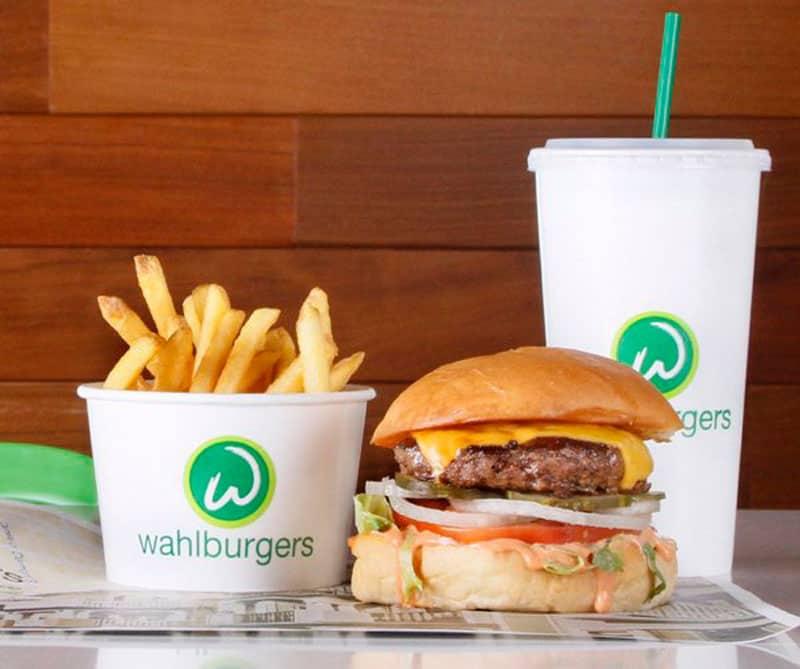 Wahlburgers Restaurant
