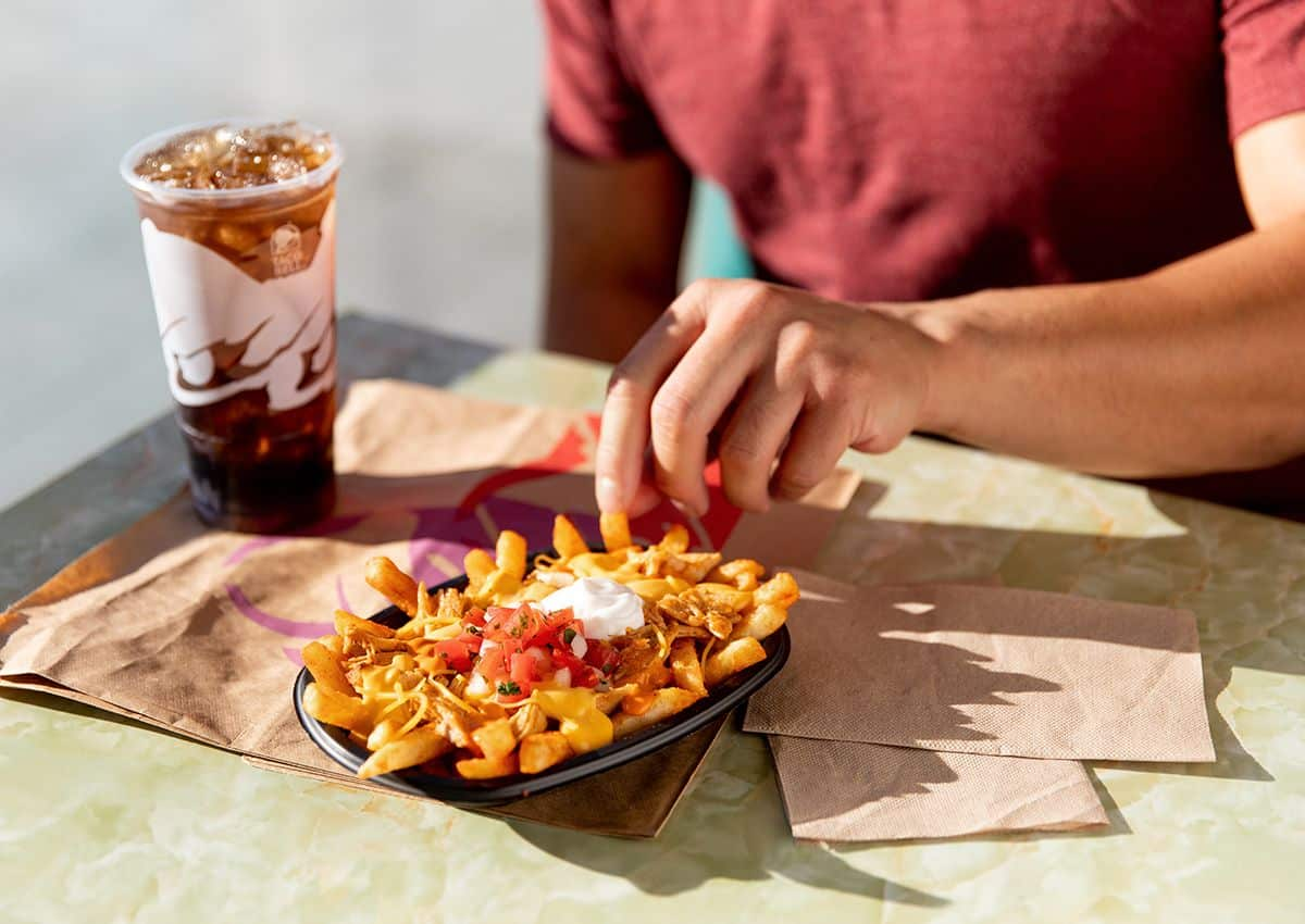 Taco-Bell-Buffalo-Chicken-Nacho-Fries