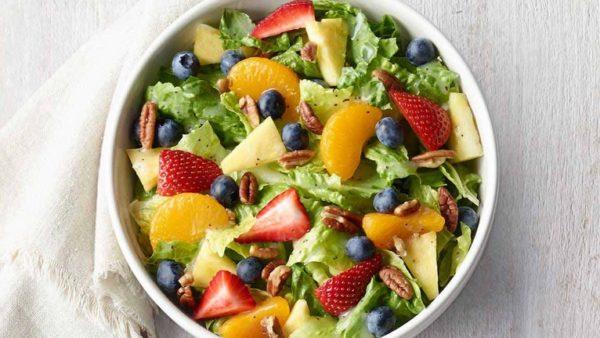 Panera-Strawberry-Poppyseed-Salad-Returns-to-Menu