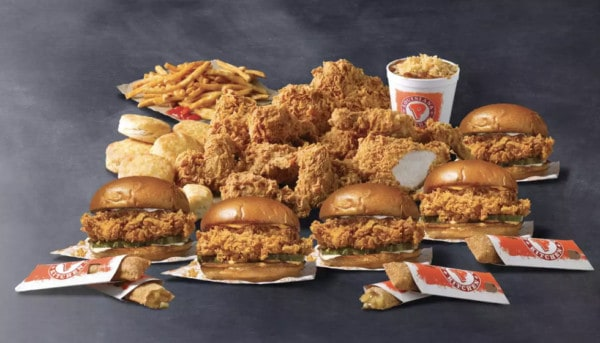 Popeyes-family-meals