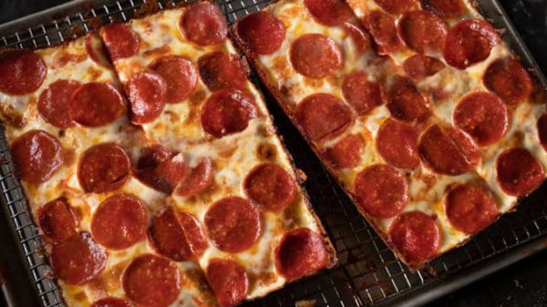 Jet's-Pizza-Offers-8-Corner-One-Topping-Pizzas-For-9.99