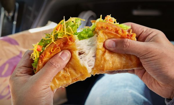Taco-Bell-Brings-Back-One-Of-Its-Most-Iconic-Limited-Time-Offers-The-Quesalupa-2