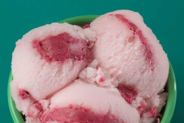 Baskin-Robbins-Watermellon-Swirl-sorbet