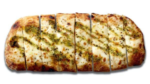 Blaze-Pizza-Adds-New-Pesto-Garlic-Cheesy-Bread